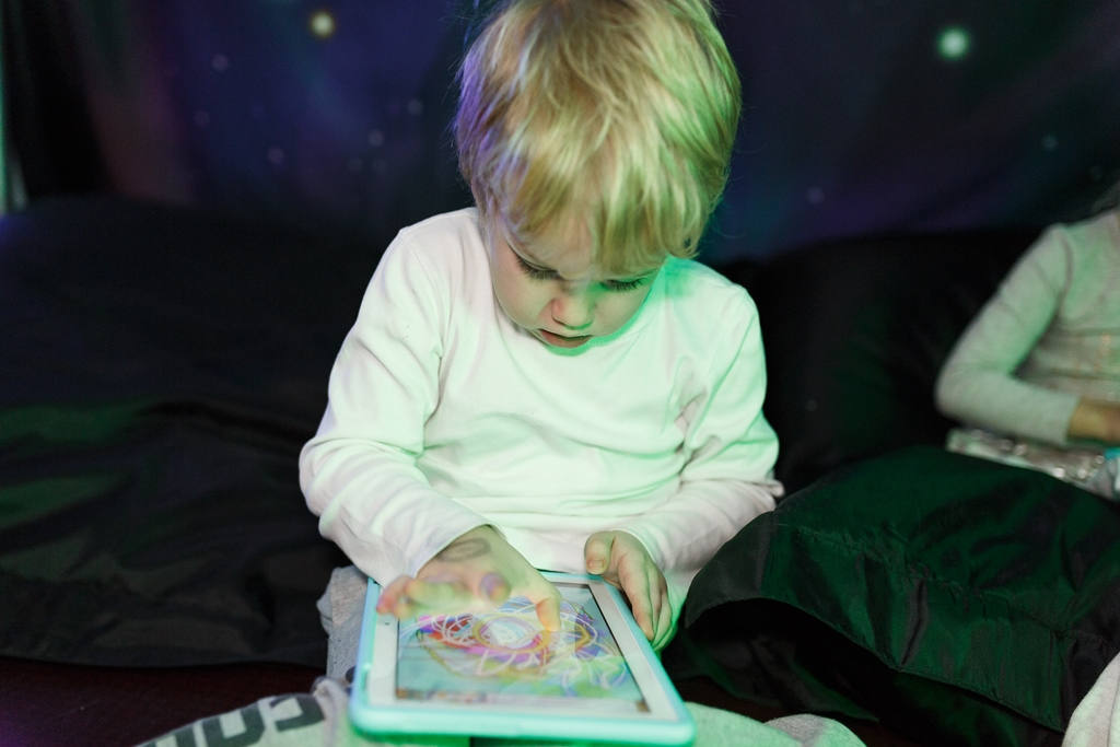 8 Ways On How To Teach Kids Become Good Digital Citizens